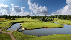 Grand Rapids Saskatoon Golf Club island green